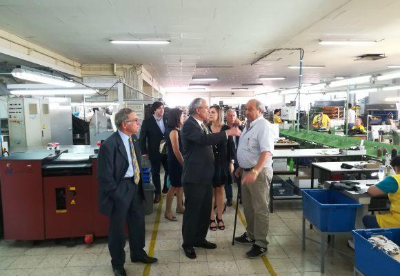 Governador Soares Carneiro visitou fábrica da Felmini em Felgueiras