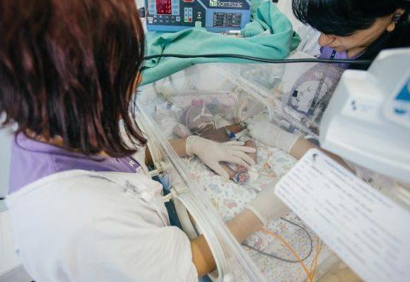 Rotários de cidades irmãs aumentam as hipóteses de vida de recém-nascidos no Brasil
