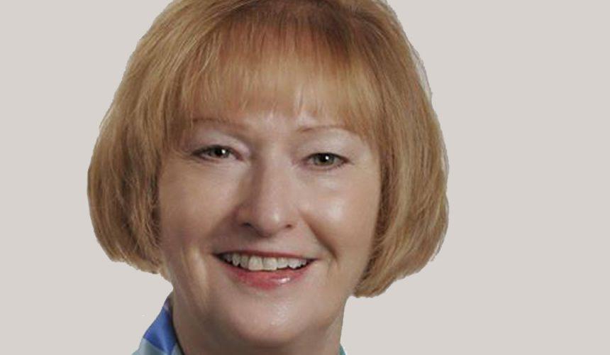 Ian Riseley nomeia Julia Phelps como curadora da The Rotary Foundation