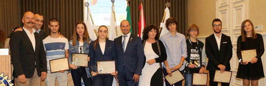 Rotary Club de Fafe premiou os melhores alunos das escolas da cidade