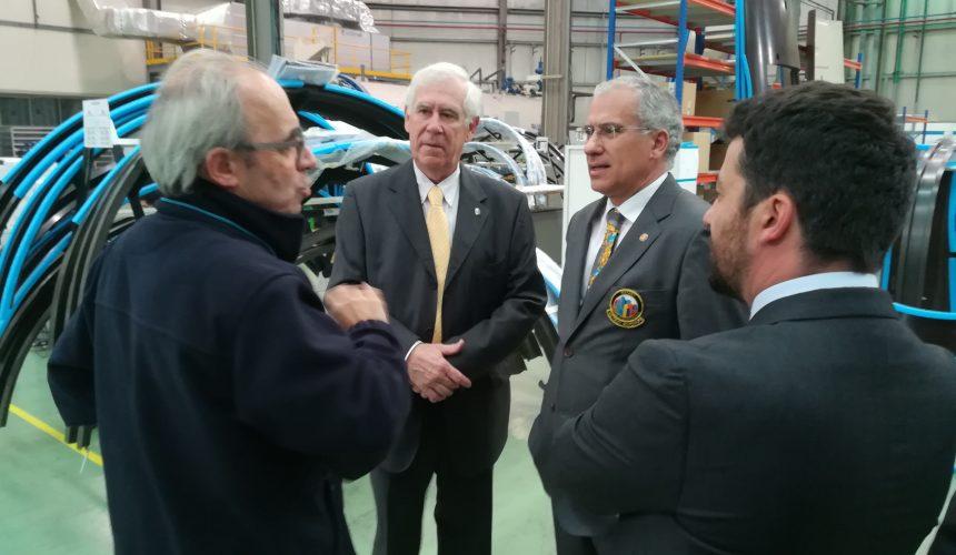 Alberto Soares Carneiro visitou as instalações da Caetano Aeronautics