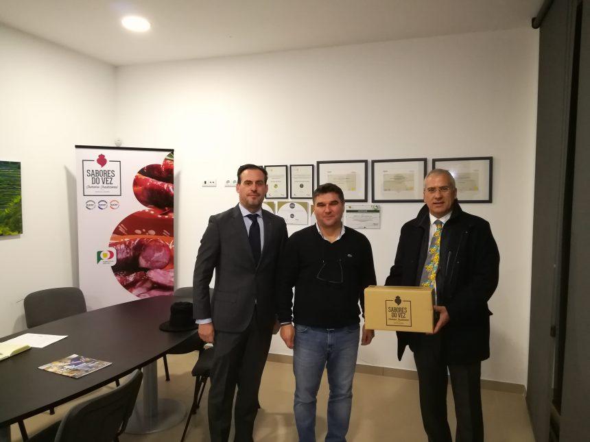 Alberto Soares Carneiro visitou a Sabores do Vez – Fumeiro Tradicional