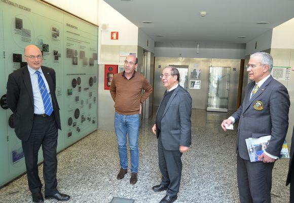 Governador Soares Carneiro visitou o grupo de investigação 3B's em Guimarães