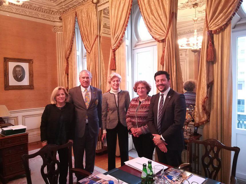 Alberto Soares Carneiro visitou o Banco Carregosa
