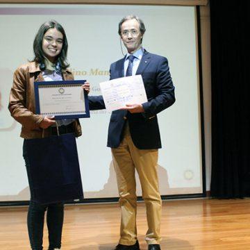 Jovem Distinguida com Bolsa no aniversário da FRP: Joana Blanquet surpresa por receber prémio pensa seguir Bioquímica